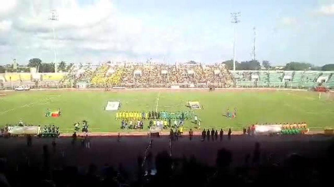 L'exécution des hymnes nationaux avant Bénin vs Zambie. Trinité Singbo.mp4