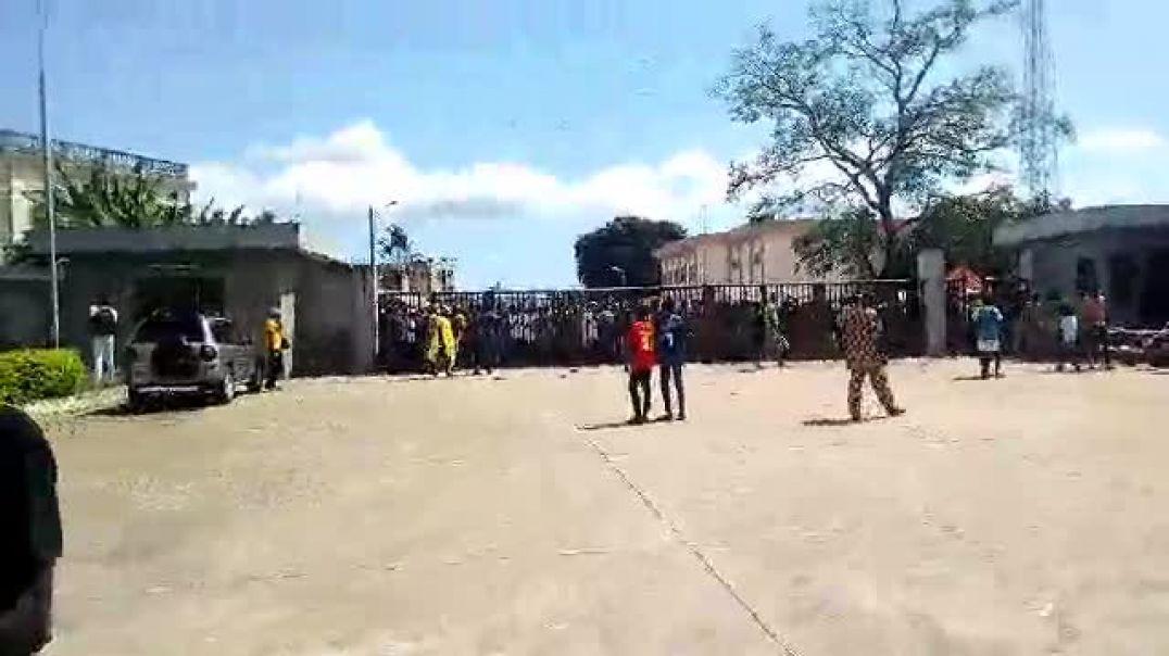 Stade Charles de Gaulle avant Bénin vs Zambie.mp4
