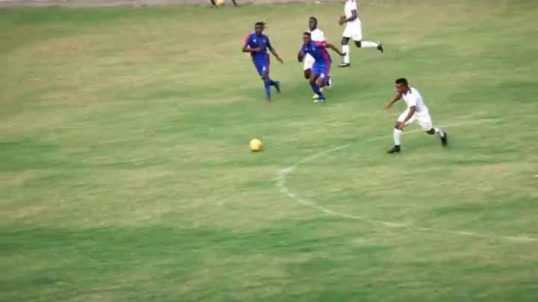 Action du Match Bamboutos de Mbouda Vs Fovu de Baham par Vincent Kamto