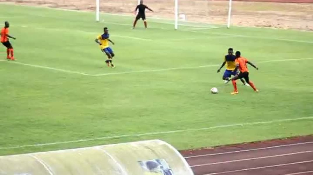action  du Match  A S  Matelot Vs Foncha Street par Vincent Kamto