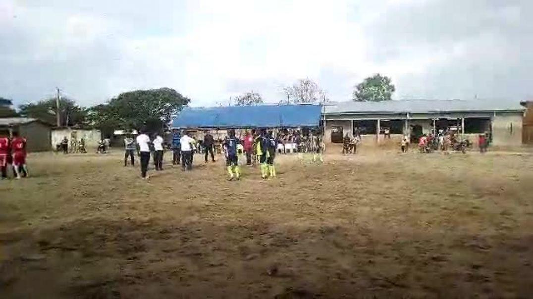Avant match ... Trinité Singbo