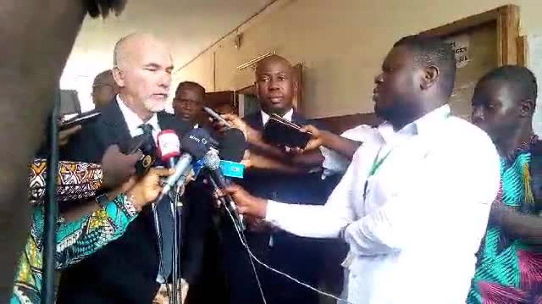 Séance avec le ministre. Trinité Singbo