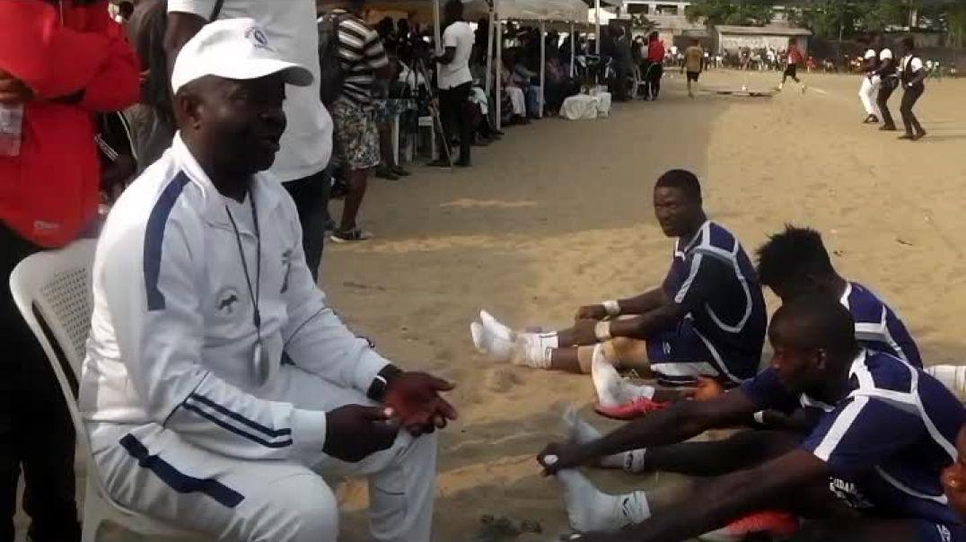 Bernard thikanga  Coach Aigle royal du Moungo  par Vincent Kamto