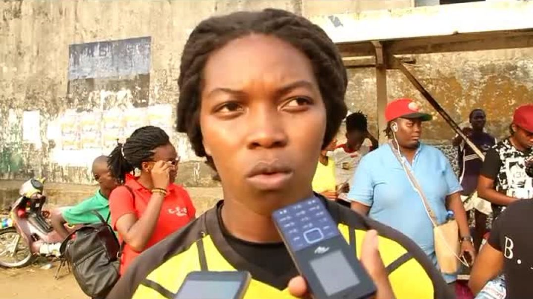capitaine de caïman fille der Douala  par Vincent Kamto