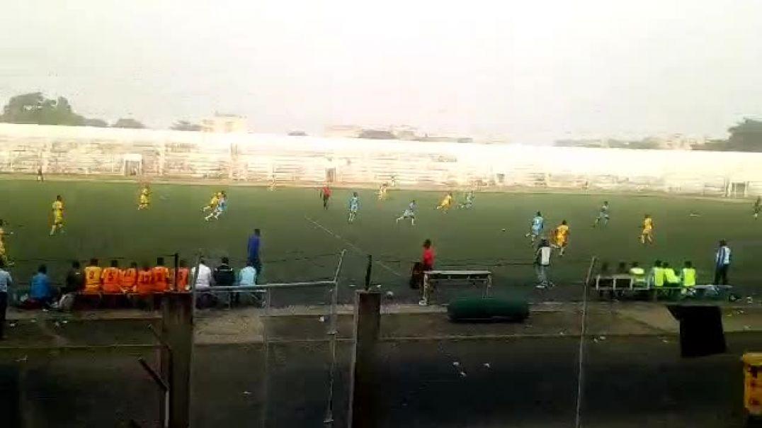 Un pan du match de la J-13 du championnat béninois entre JAC et USSK. Trinité Singbo