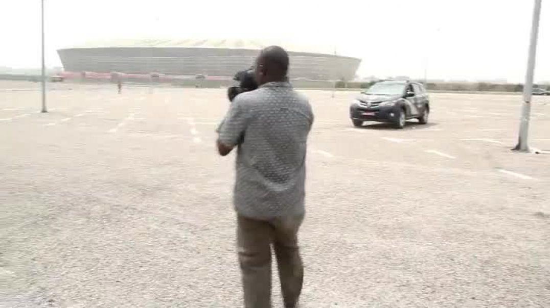 Le Ministre des sports et de l éducation physique visite le stade de japoma par Vincent Kamto