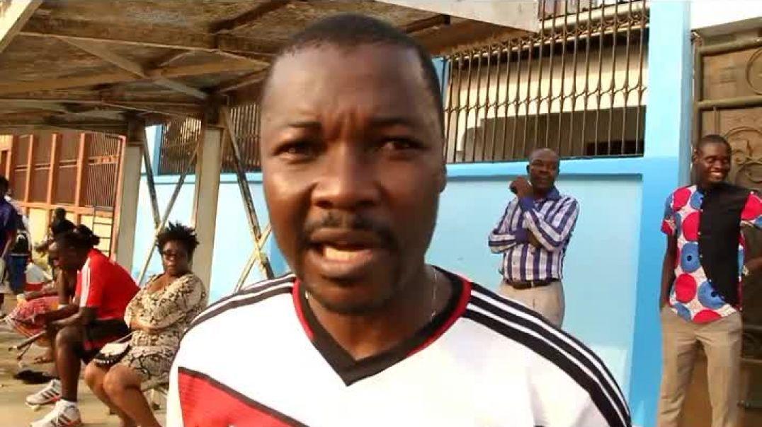 Coach de Louves de Yaoundé   par Vincent Kamto