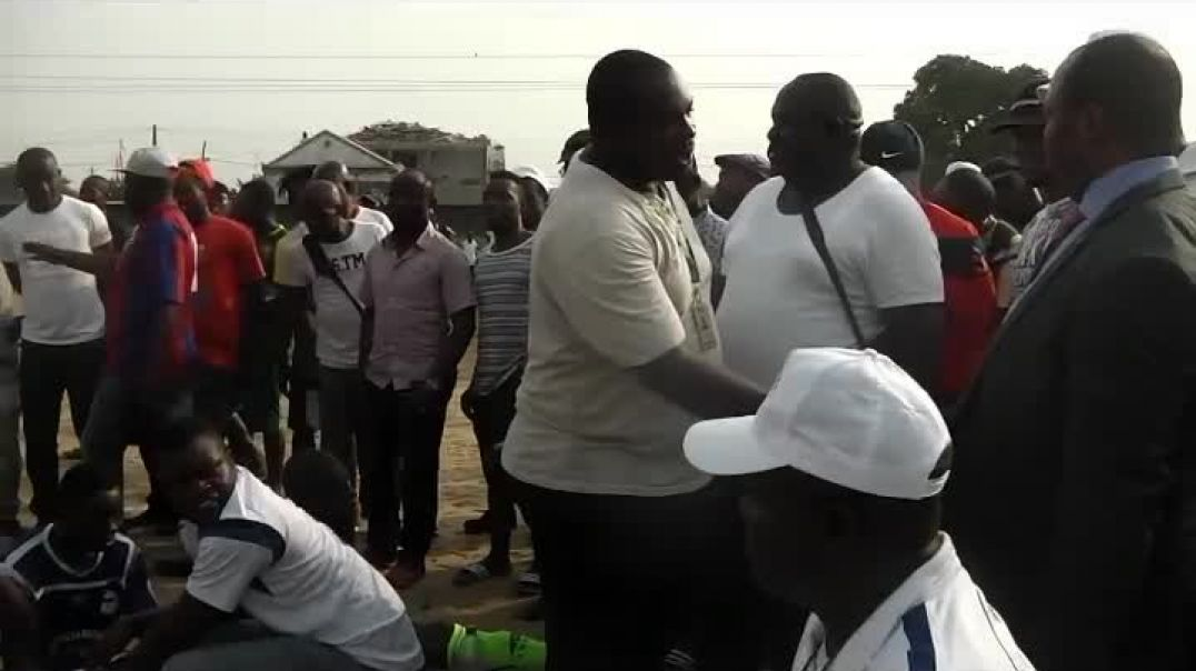 Consigne du Coach de L Aigle royal du Moungo a La Mi temps par Vincent Kamto