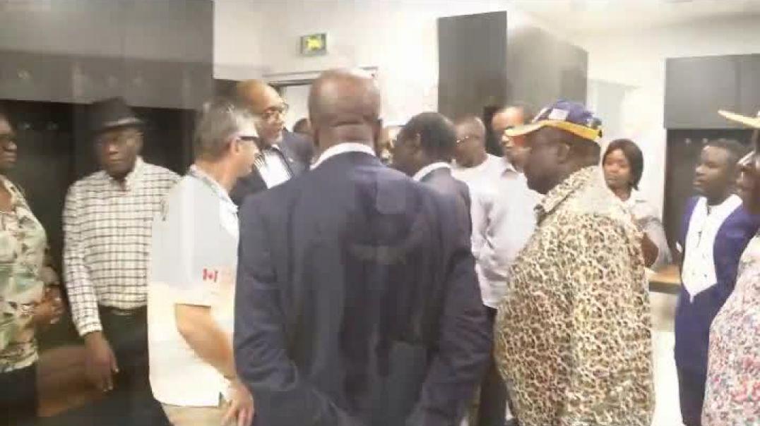 Le Ministre des sports et de l éducation physique visite le stade de la réunification de Douala par