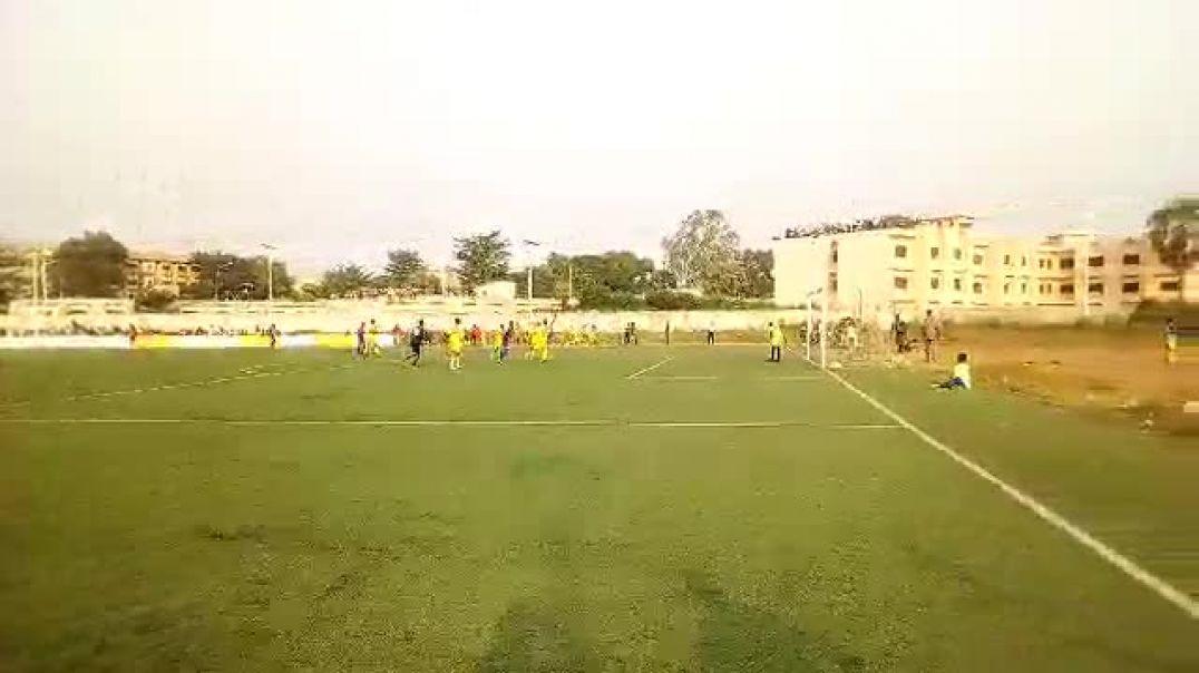 Une phase de jeu du match ASPAC vs JAC. Trinité Singbo
