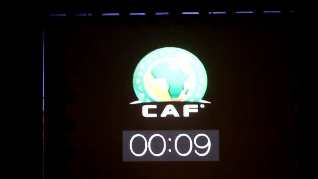 Cameroun  Stephen Tataw entre au poposy avec le trophée du chan par Vincent Kamto