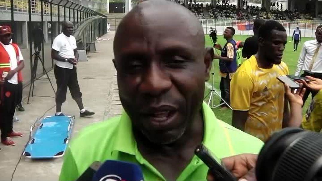 Nganbe David il y a aucun problème dans Avion AC tout va bien  par Vincent Kamto
