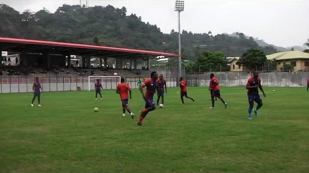 début de la Rencontre Bamboutos Vs Union Sportive de Douala  par Vincent Kamto
