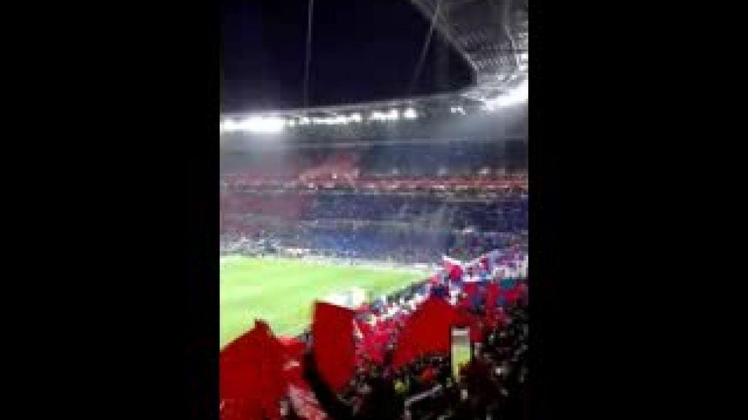 Ambiance des supporters Lyonnais au Groupama Stadium