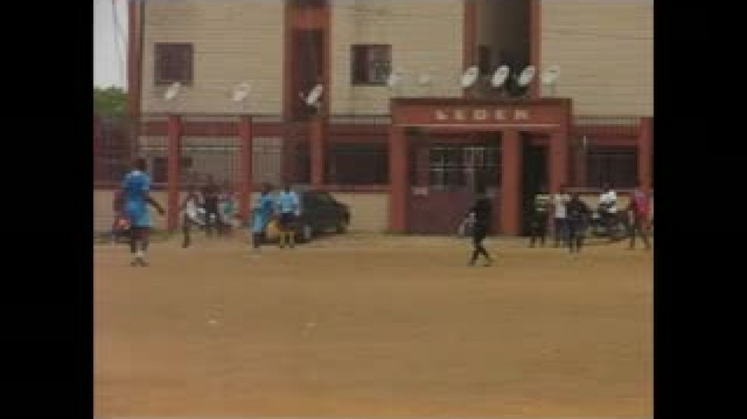 [CAMEROUN] phase de match supporters OM contre suporters PSG