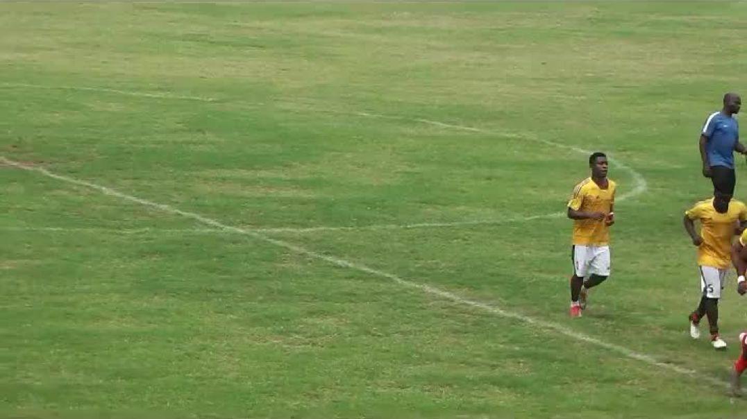 Cameroun Echauffement Stade Renard de Melong par Vincent Kamto
