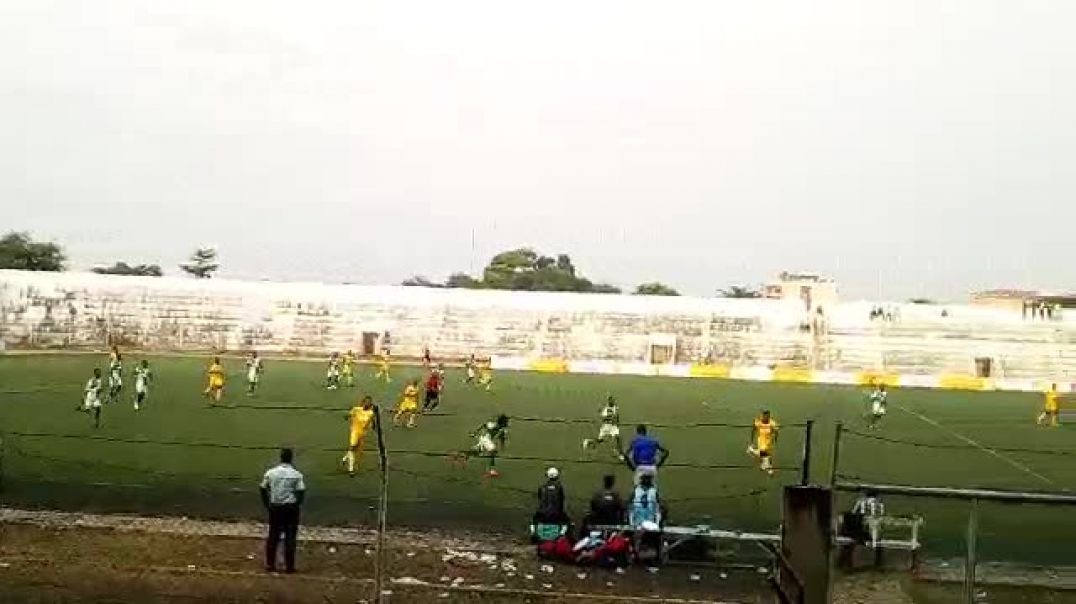 Le football dans une ambiance de ouf. Trinité Singbo