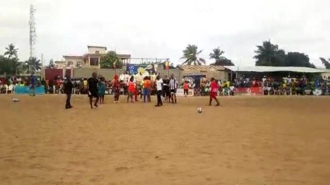 Miss Espoir et le football. Trinité Singbo