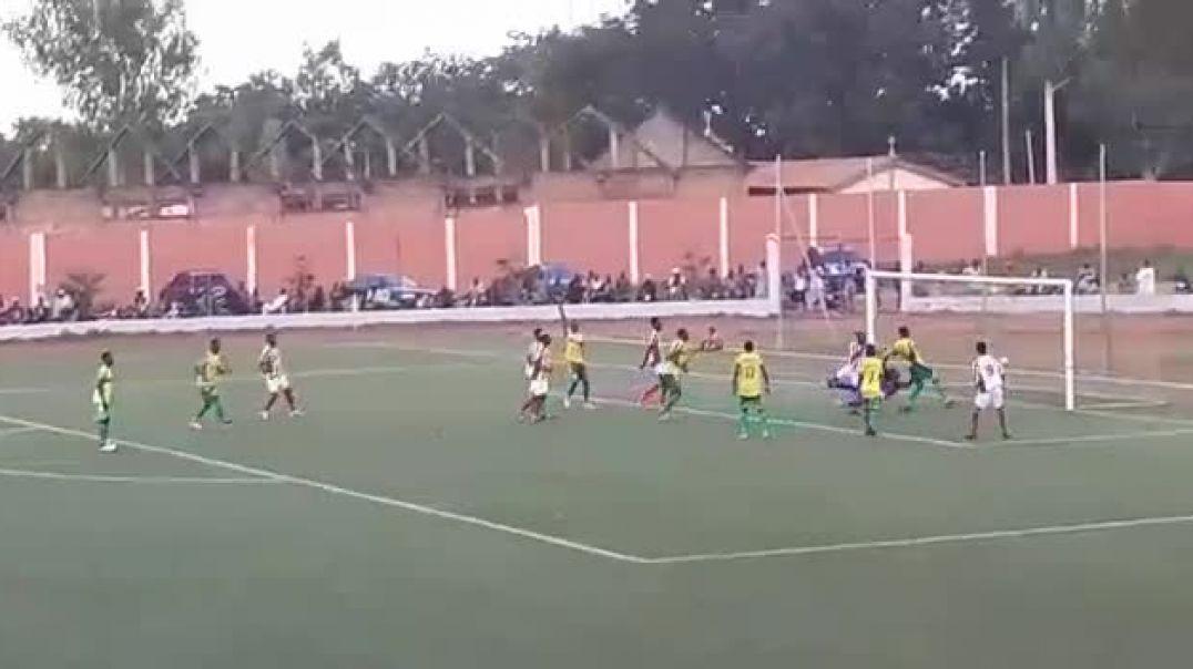 Le but de Ahovey contre Buffles. Trinité Singbo