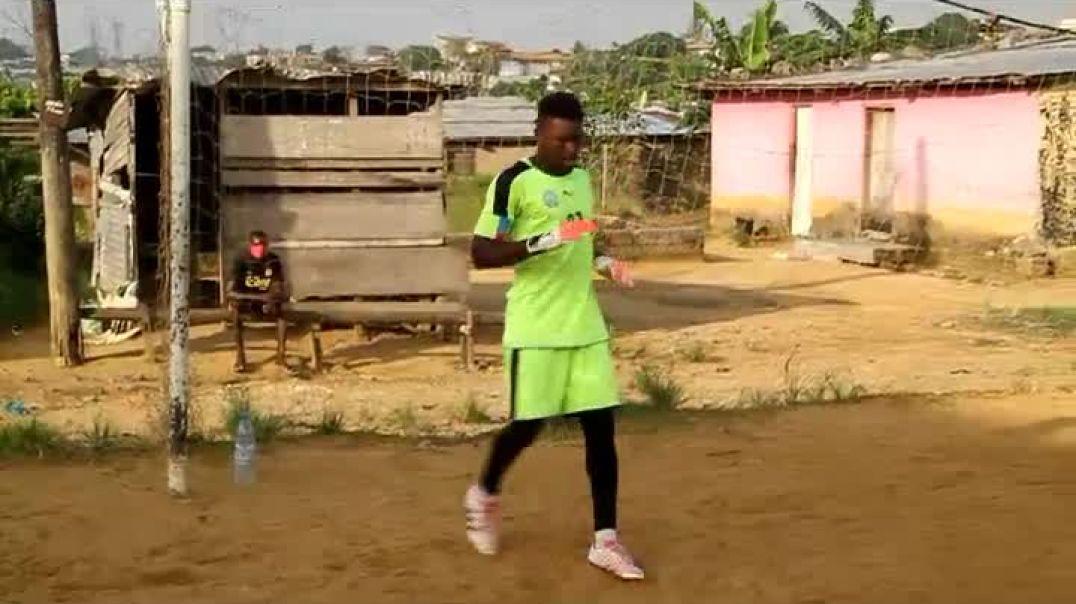 Cameroun Confiné avec Nzong Ulrich Gabriel Tree par Vincent Kamto