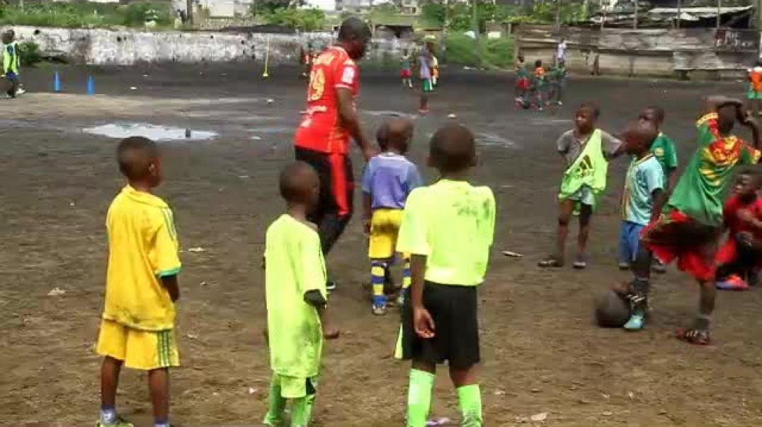 Cameroon balade dans les academy cas de yorro foot academy( forme au club )  par Vincent Kamto