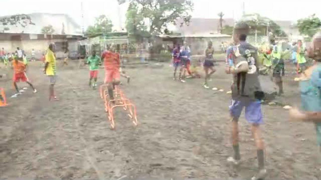 Cameroun balade dans les academies seance de tir au but  des forme au club  par Vincent Kamto