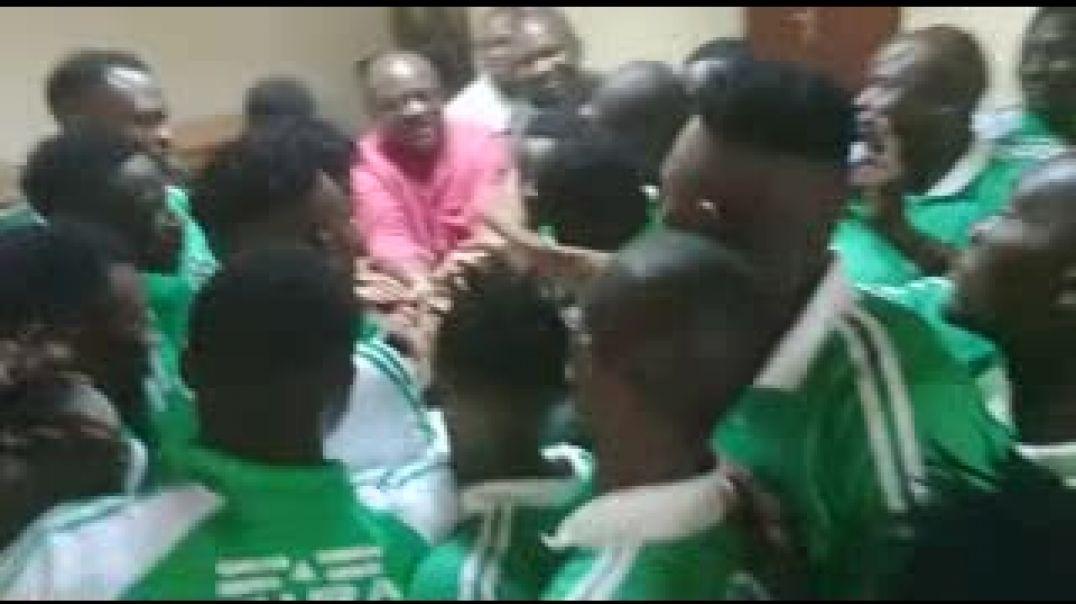 Ambiance avant le déplacement de Coton pour le Togo