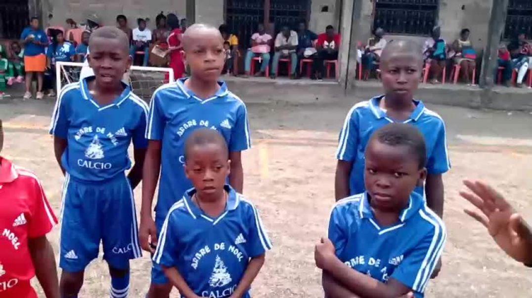 [Cameroun] arbre de Noël pour les tous petits
