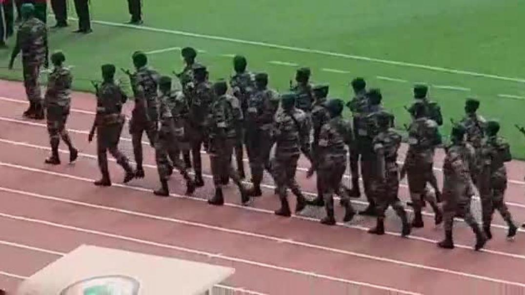 CHAN 2021 cérémonie d'ouverture sur fond de défilé militaire