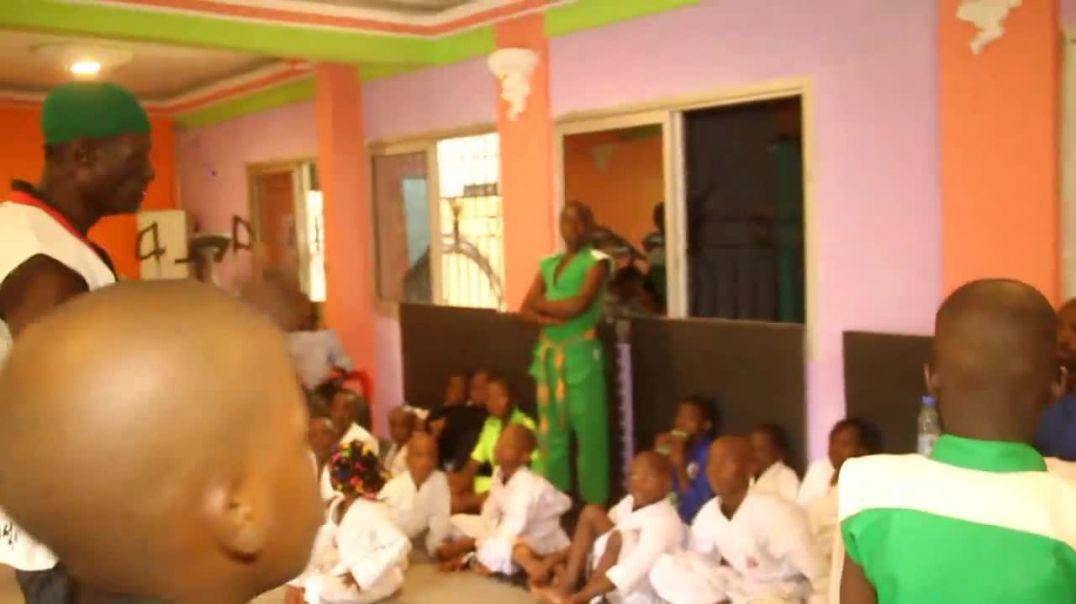 Cameroun Démonstration des pratiquants du Kung fu à Douala pk 12
