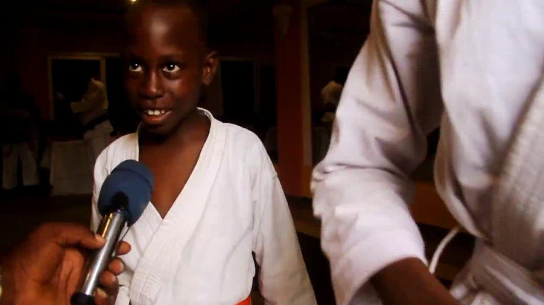 Cameroun Réaction des parents a l ouverture des vacances utile a pk 12