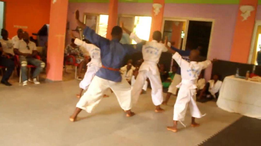 Cameroun Démonstration des Katas  au Nambudo à Douala pk 12